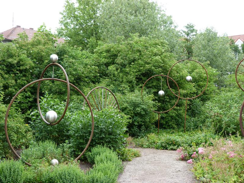 Kunstausstellung im eigenen Garten